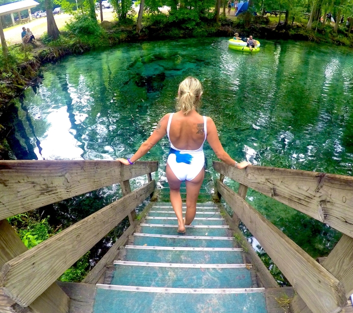 What to bring to Ginnie Springs and our girls weekend experience there!